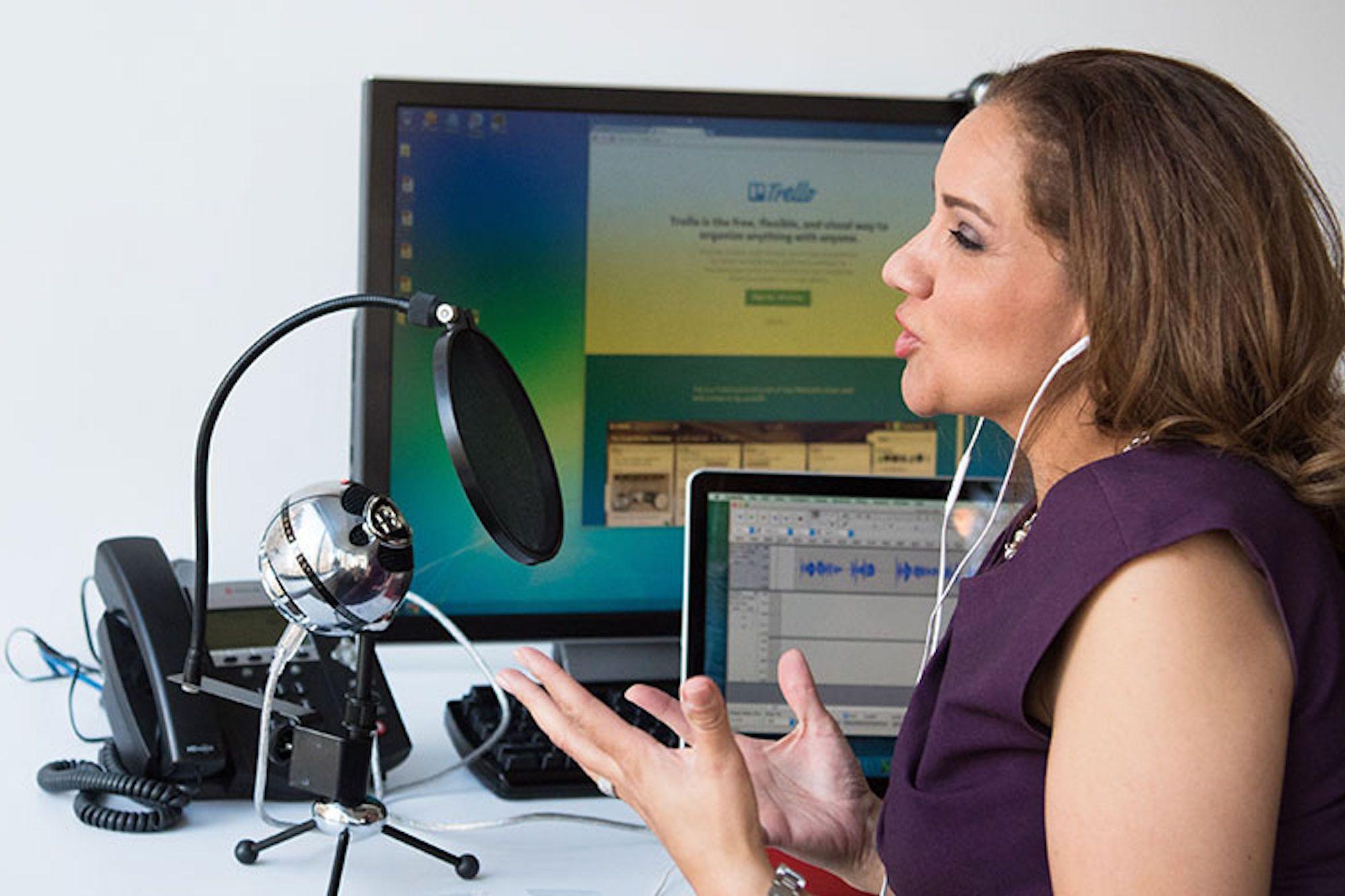 Mengenal Arti Kata Podcasting dan Tema-Tema Serunya